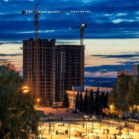 Ижевск вечерний, новостройка в центре города :: Владимир Максимов