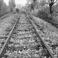 Заброшено,железная дорога :: Станислав