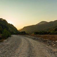 Каменистая дорога вдоль реки Аше :: jenia77 Миронюк Женя