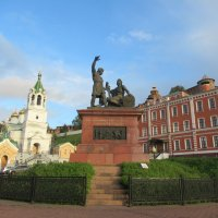 Памятник Минину и Пожарскому в Нижнем Новгороде :: Татьяна Гусева