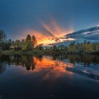 Осень. Вечер. Сосьва... :: Сергей Смоляков