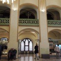 Интерьер майзеловой синагоги :: Гала