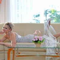 Тот миг когда ещё невеста, тот миг когда уже жена! :: Владимир Куликов