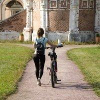 Велосипедистка. :: Oleg4618 Шутченко
