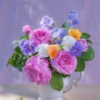 Розы и анютины глазки :: Ольга Бекетова