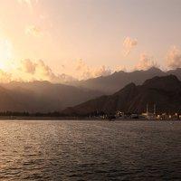 Утро в Омане... :: Александр Вивчарик