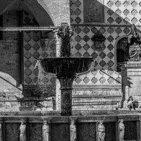 Fontana maggiore di Perugia :: Konstantin Rohn