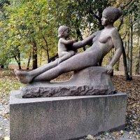 Парковая скульптура :: BoxerMak Mak
