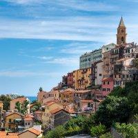 Вид на старый город,Вентимилья,Италия :: Наталия Л.