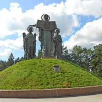 Скульптурная группа на Волоколамском шоссе :: Елен@Ёлочка К.Е.Т.