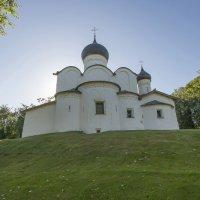 Псков. Церковь Василия на Горке :: leo yagonen