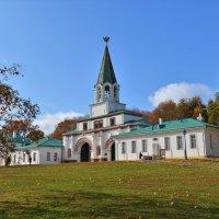 Передние ворота в Коломенском :: Константин Анисимов