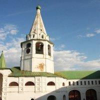 Архиерейские палаты с колокольней :: Виктор Наливайко