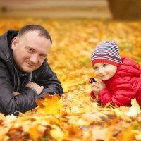 Папа с сыном :: Elena Jukovskaia