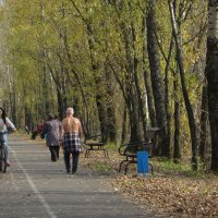 Прогулка по набережной... :: Владимир БОДАГОВ