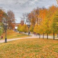 Осень в Царицыно :: Константин