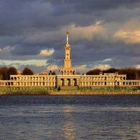 Северный речной вокзал :: Юрий Моченов