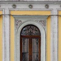 ампирное окно :: Сергей Лындин