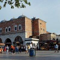 Базар у пристани Босфора :: Зинаида Каширина