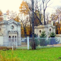 Красносельские (Слоновьи) ворота, Ал. парк ЦС - 3 :: Сергей