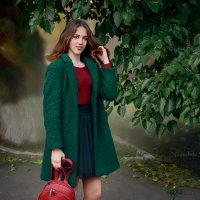 Под зеленым деревом в зеленом :: Nadine Surovitskaya