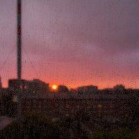 Дождливый закат :: Виктор Зиновьев