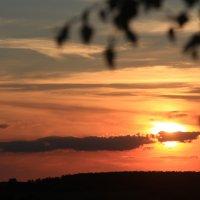 Солнце, подающее за горизонт :: Влад Ложкин