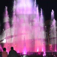 Лазерный фонтан :: Алёна Алексаткина