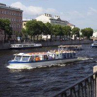 Экскурсии по рекам и каналам :: Valerii Ivanov