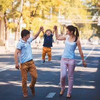Семейная съемка в городе :: Евгения Мотасова