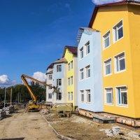 Покраска нового дома. :: Валерий Молоток