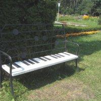 Музыкальная скамейка. :: Yuriy