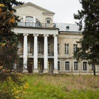 барский дом Волконских :: Артем Тимофеев