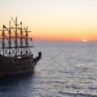 пиратский фрегат :: Михаил Сипатов