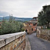 Старинные улочки небольшого городка Кьянчано Термо Сиена в Италии. :: Марина