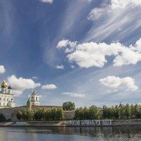 Свято-Троицкий кафедральный собор Псковского Кремля :: leo yagonen