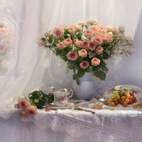...благоуханный дар цветов... :: Валентина Колова