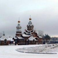 Снежное утро у храма . :: Мила Бовкун