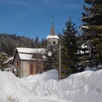 Мадонна ди Кампильо - городок в Альпах :: Galina Solovova
