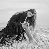 Большая часть того, что реально внутри нас, - не осознается, а того, что осознается, - нереально. :: KanSky - Карен Чахалян