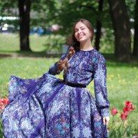 Платье с русской душой (Михайловский сад) :: Андрей Игоревич