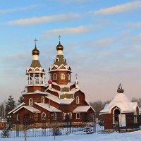 Храм в морозный , солнечный день. :: Мила Бовкун