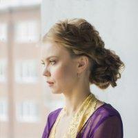 Красивая девушка на окне :: Мария Романтеева