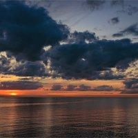 Закат на заливе :: Сергей Кичигин
