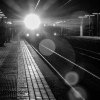 прибытие поезда :: Сергей Лындин