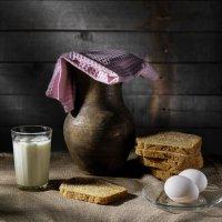 Хлеб с молоком :: Алексей Мезенцев