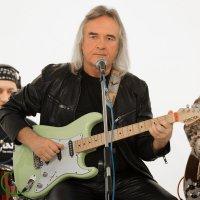 """Останкино, телеканал """"Ностальгия"""", гитарист и композитор Юрий Рыманов. 04.11.2019 года. :: Валерий Щербин"""