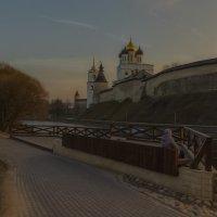 Вечер на набережной :: Виктор Грузнов