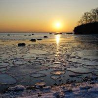 Солнце восходит на востоке :: Эдуард Куклин