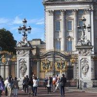Западный фасад Букингемского дворца :: Галина